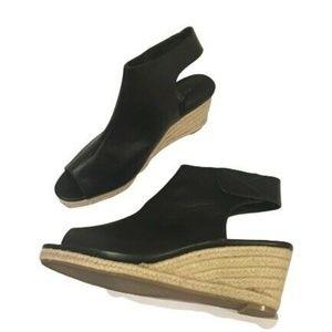 Vera Wang Black Peep Toe Sandals Shoes Size 9.5M